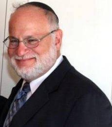 Rabbi Stephen Pruzansky, leader of largest synagogue in Teaneck, NJ